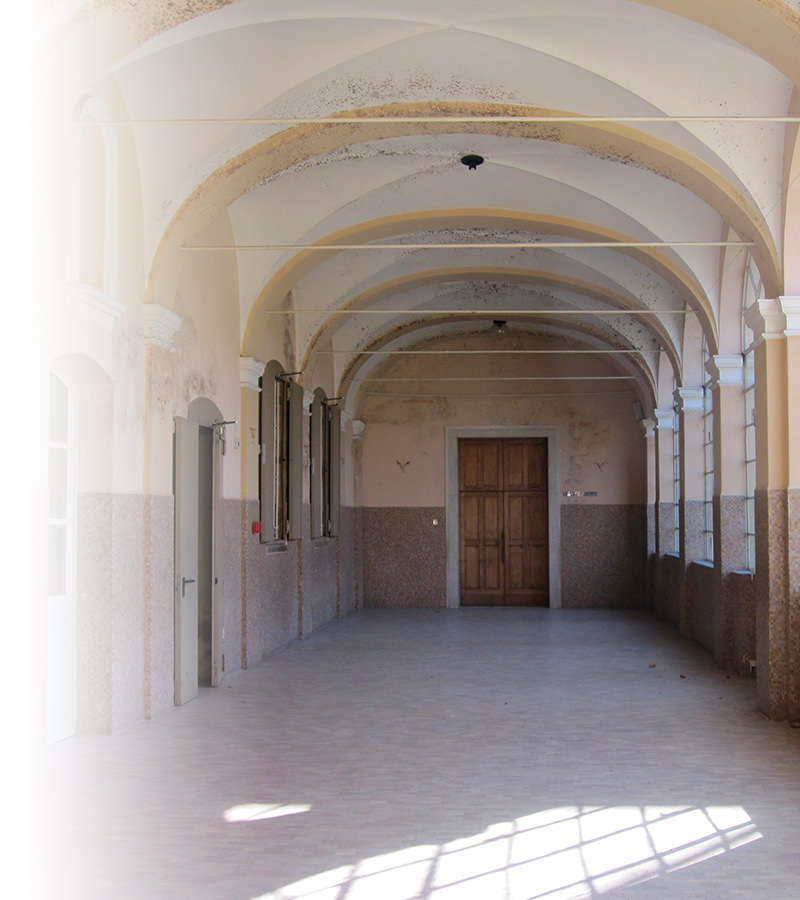 https://www.faventiasales.it/wp-content/uploads/2018/03/05_porticato-vetrato-su-giardino-dei-pensieri.jpg