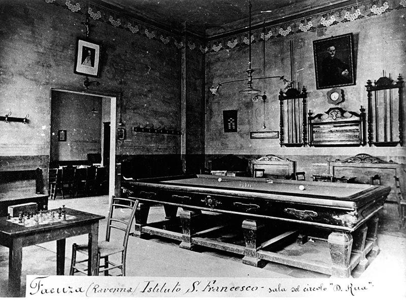 Interno dell'oratorio. 1920.
