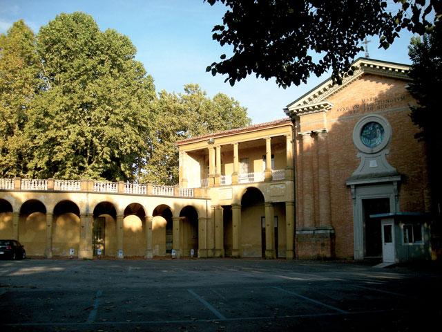 https://www.faventiasales.it/wp-content/uploads/2018/06/piazzale-teatro_mod.jpg